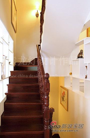 美式 别墅 楼梯图片来自用户1907686233在让阳光在家中飞舞450平大别墅87的分享