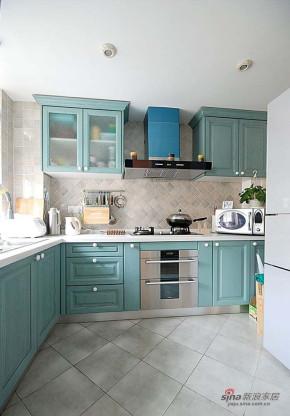 地中海 复式 厨房 小清新图片来自用户2756243717在7万巧装幻海幽蓝80平婚房63的分享