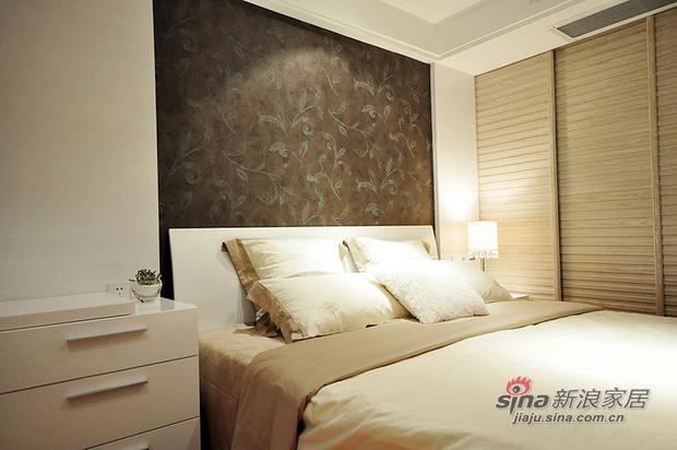 简约 三居 卧室图片来自用户2557979841在10万元打造山语城现代简约居(多图)85的分享