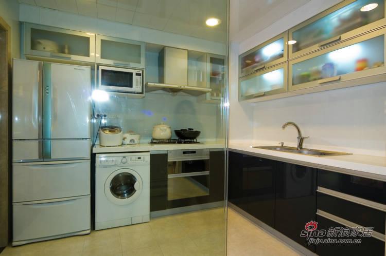 简约 三居 厨房图片来自用户2557979841在7.6万搞定160平现代简约居65的分享