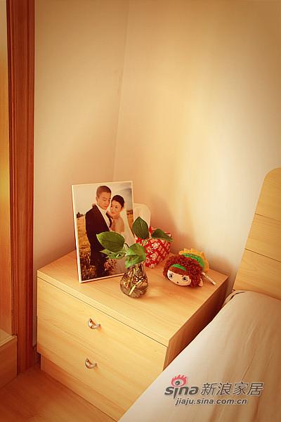 简约 一居 卧室图片来自用户2737735823在50平简约质朴风美甜蜜小屋50的分享