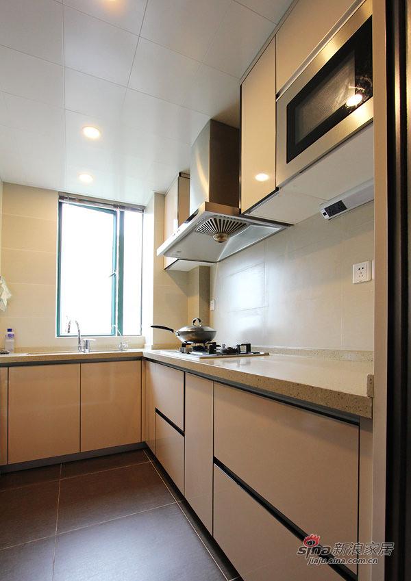 简约 三居 厨房图片来自用户2737735823在【高清】128平无印良品极简主义3居53的分享