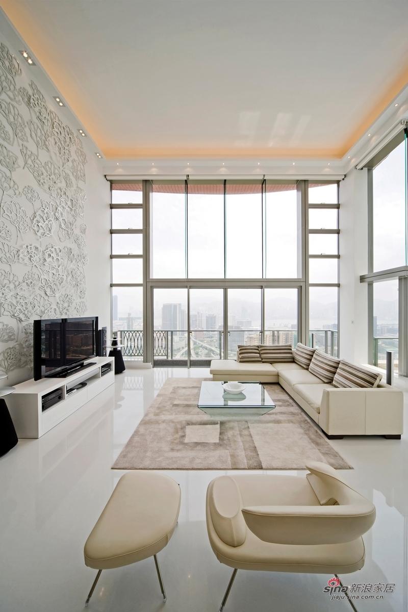港式 跃层 客厅 舒适图片来自用户1907650565在【高清】香港男20万装修跃层婚房79的分享