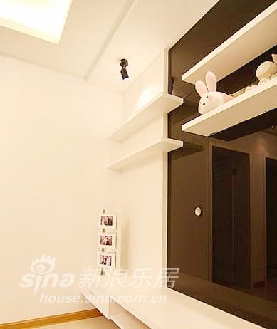 简约 二居 客厅图片来自用户2738820801在简约也精致 80后夫妻甜蜜小家28的分享