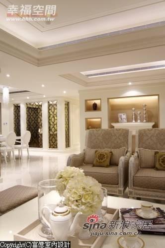 优雅的墙面造型其实也隐含着自主的空间属性