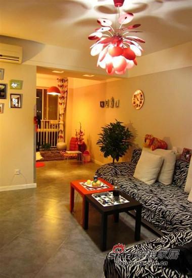 客厅淘宝上买的客厅灯,安装的过程很欢乐。