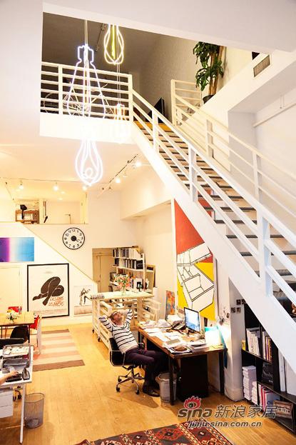 欧式 复式 楼梯图片来自用户2772856065在三口之家8万简约风108平两房两厅72的分享