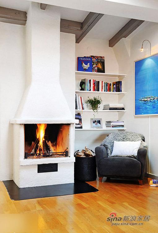 欧式 二居 客厅图片来自用户2772856065在80后小夫妻的68平温馨时尚阁楼小家245的分享