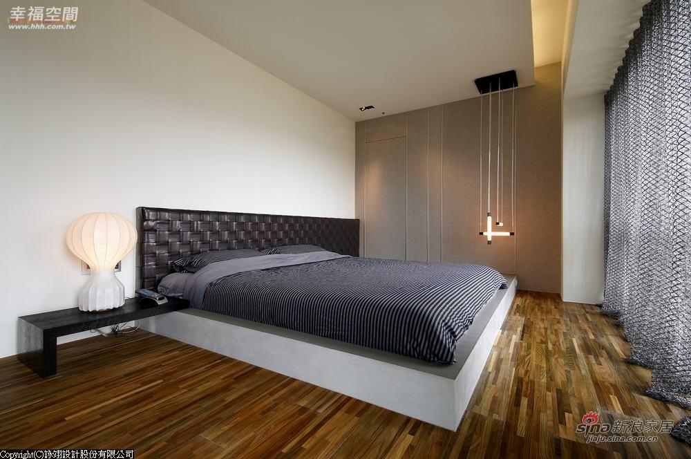 简约 二居 卧室图片来自用户2738820801在前卫流体 142 平艺术简约潮居60的分享