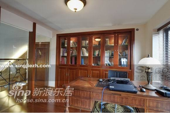 欧式 复式 书房图片来自用户2746869241在舒适奢华不俗气  IT精英的美式家30的分享