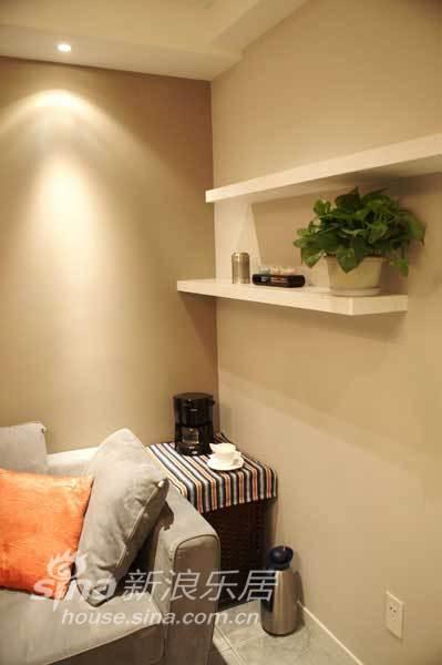 简约 二居 客厅图片来自用户2739153147在实景:小夫妻花四万随心装65平米简约家49的分享