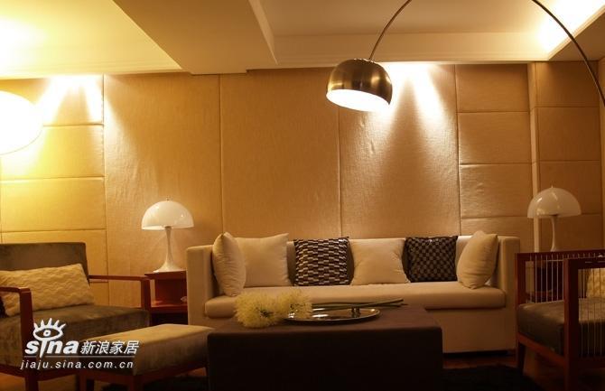 简约 四居 客厅图片来自用户2556216825在L.E.O时尚空间11的分享
