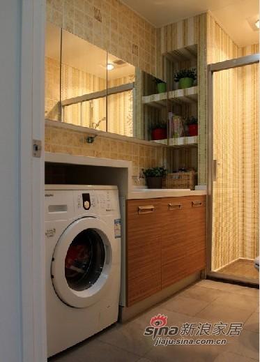 选择这样的洗衣机居然还能节省空间,上面搭个台子就能放东西了,增加了储物功能。