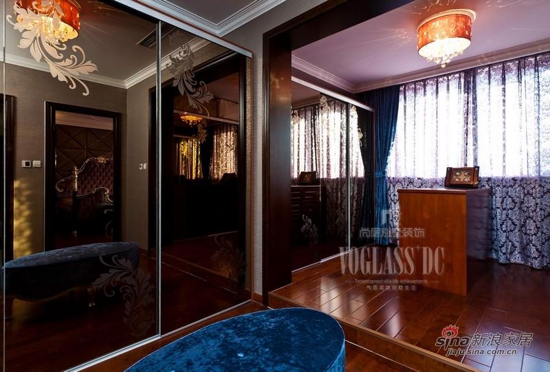 欧式 别墅 衣帽间图片来自用户2746889121在身边活色生香的欧式古典27的分享