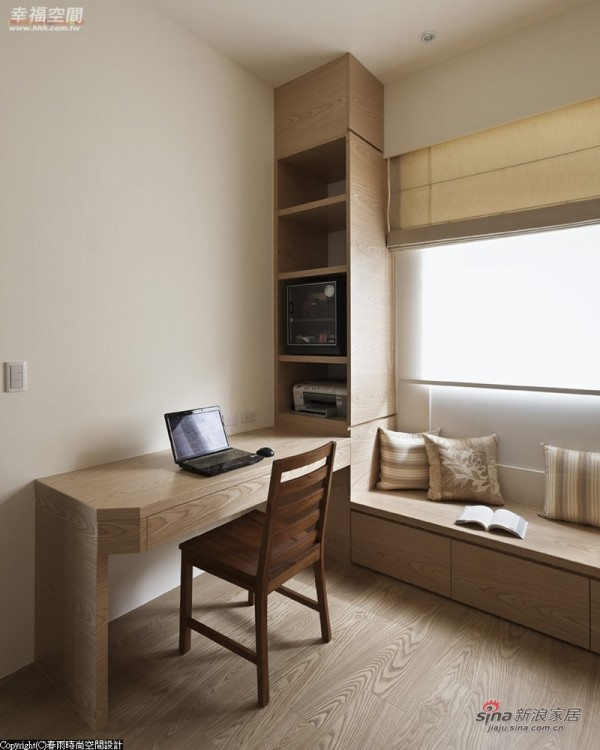 书墙、书桌及座柜一气呵成