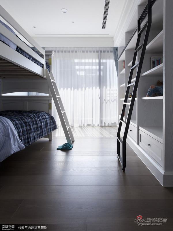 12.男孩房-活动式的书架楼梯,让上层的