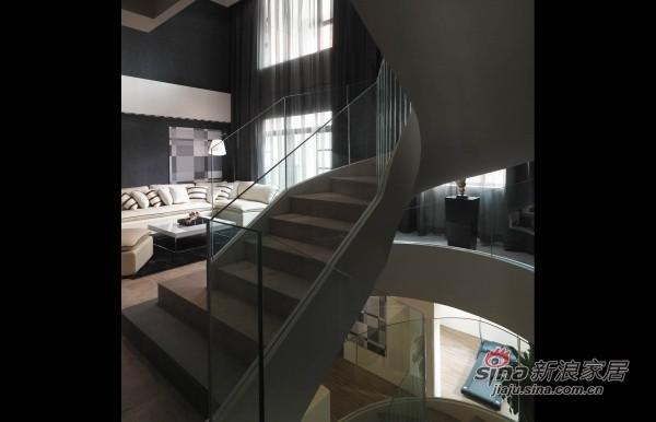 玻璃旋转楼梯
