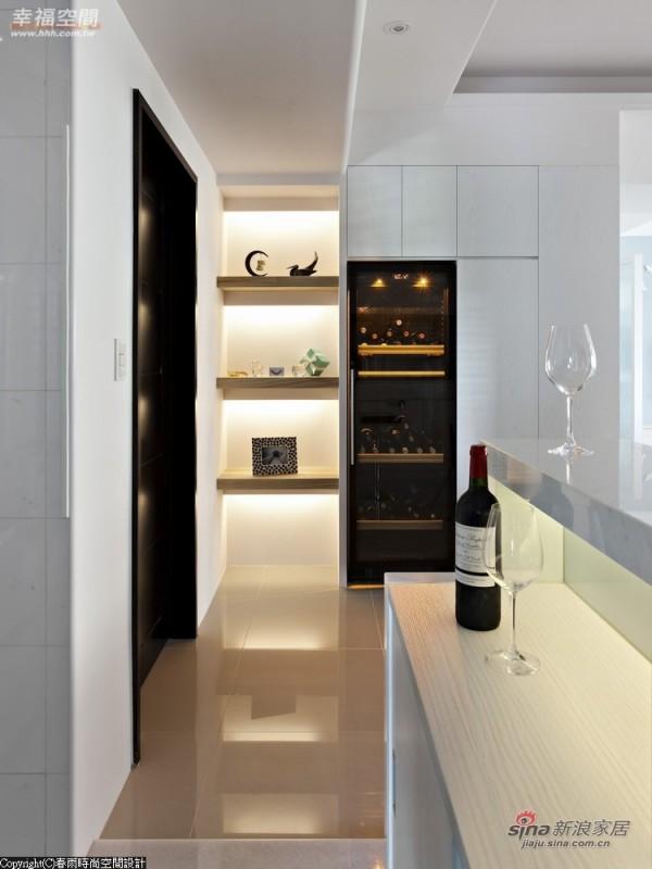 针对业主喝红酒的习惯,增加了红酒柜