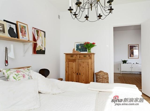 简约 三居 卧室图片来自用户2557979841在摆脱屌丝5万装62平米干净舒适爱家54的分享