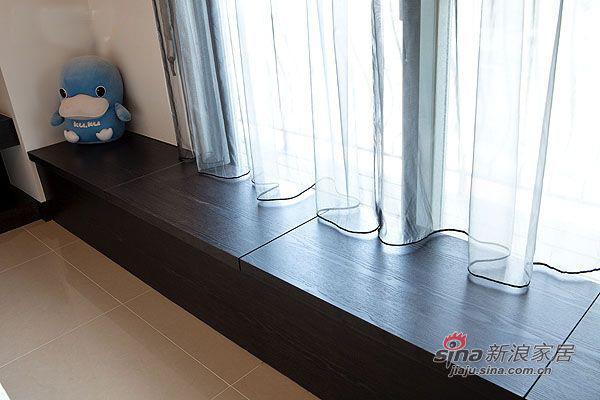 简约 三居 客厅图片来自用户2737786973在4.8万95平厅时尚简约3房2厅15的分享