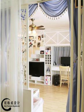 地中海 二居 客厅 文艺青年图片来自用户2757320995在老房改造60平变身地中海86的分享
