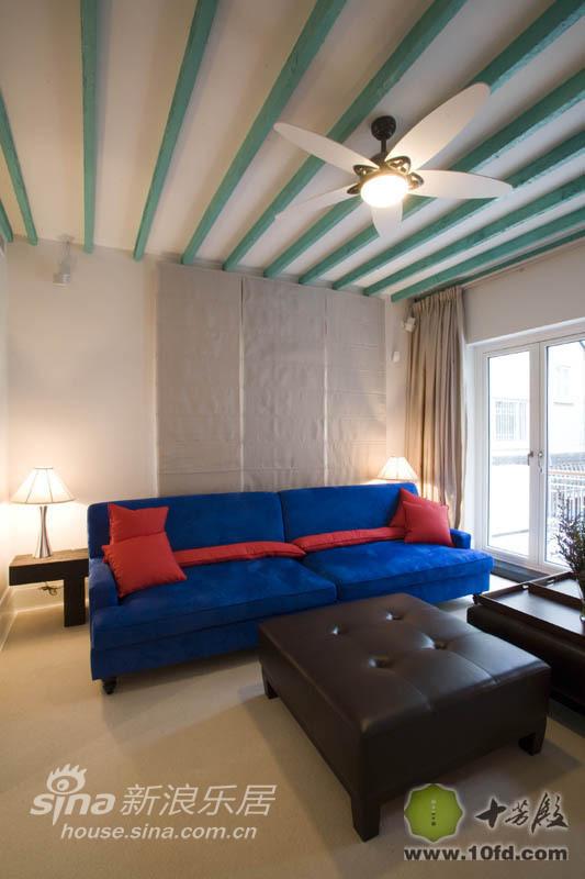 二楼地中海风格的小客厅