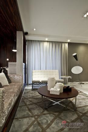 港式 三居 客厅 小资 舒适图片来自佰辰生活装饰在白领夫妻90平后现代时尚婚房91的分享