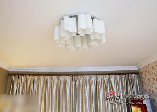 简约 一居 客厅图片来自用户2737759857在小资女装100平美宅 现代简约奢华享受(70的分享