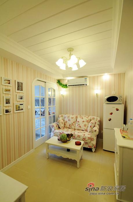田园 一居 客厅图片来自装修微日记在【高清】单身女37平清新田园一居室34的分享