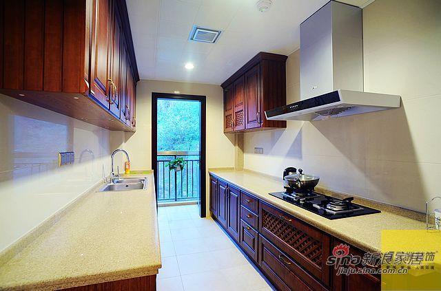 欧式 三居 厨房图片来自用户2746889121在简欧风格130平米实景高清大图49的分享