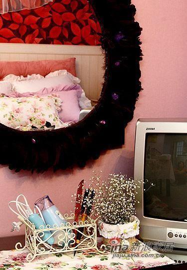 卧室里的电视柜