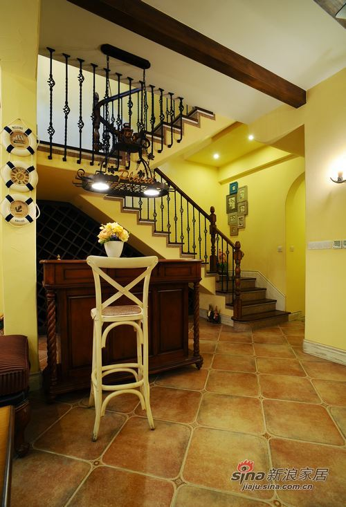 美式 别墅 楼梯图片来自用户1907685403在美式乡村风格别墅案例41的分享