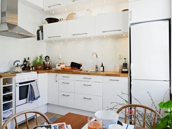欧式 二居 厨房图片来自用户2757317061在37平米小户型 单身贵族清新淡雅的春天公寓97的分享