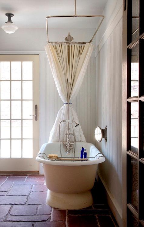 卫生间 浴室 鱼缸 家居图片来自用户2772873991在卫生间的分享