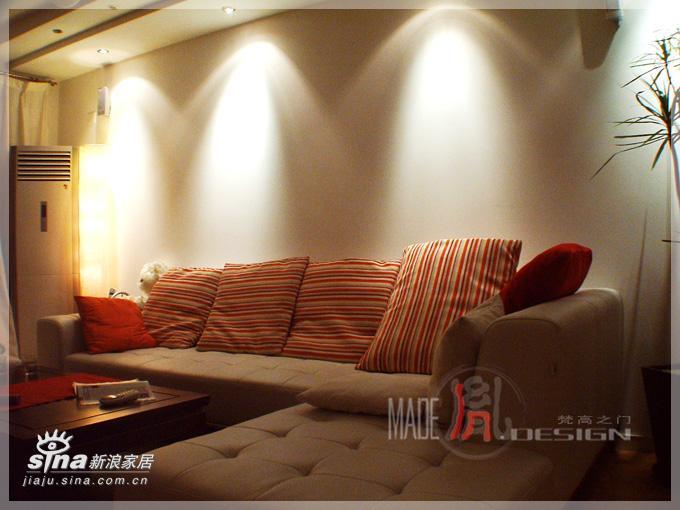 简约 跃层 客厅图片来自用户2739081033在典纳满堂四58的分享