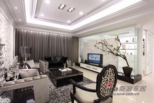 新古典 三居 客厅图片来自用户1907701233在白色奢华110平 三代同堂共享天伦39的分享