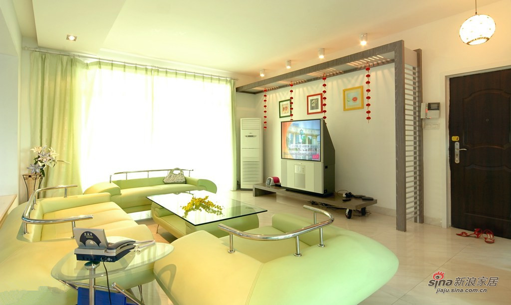 简约 二居 客厅图片来自装修微日记在【高清】89平清爽简约时尚大气之家25的分享