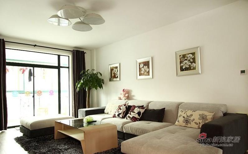 简约 三居 客厅图片来自用户2737735823在80后省钱5.5万装105平温馨小窝59的分享