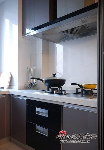 简约 二居 厨房图片来自用户2739081033在装修达人86平米清爽雅居 简约家居高档享受15的分享