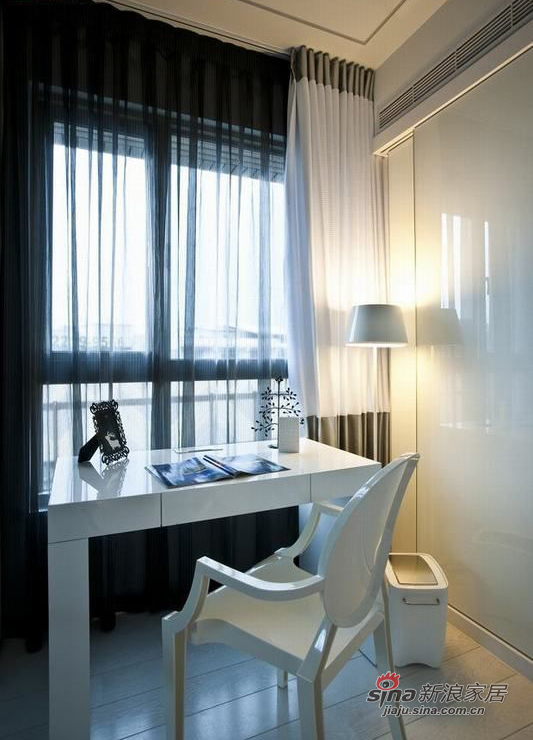 北欧 二居 卧室图片来自佰辰生活装饰在小两口72平现代北欧极简小空间48的分享