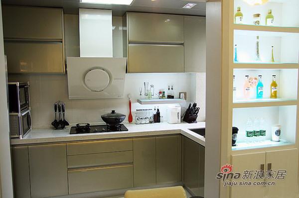 简约 二居 厨房图片来自用户2738829145在潮女6.8万元装扮简约家庭影院C9地块20的分享