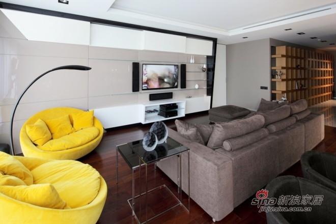 简约 二居 客厅图片来自城市人家犀犀在87平米现代低奢21的分享