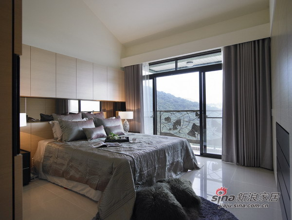 欧式 三居 卧室图片来自用户2757317061在【多图】21万打造160平现代简约混搭美家33的分享