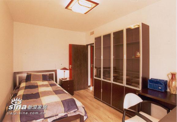 简约 三居 卧室图片来自用户2737782783在朗琴园86的分享