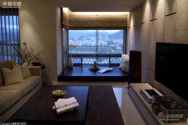 客厅和餐厅为开放式的场域
