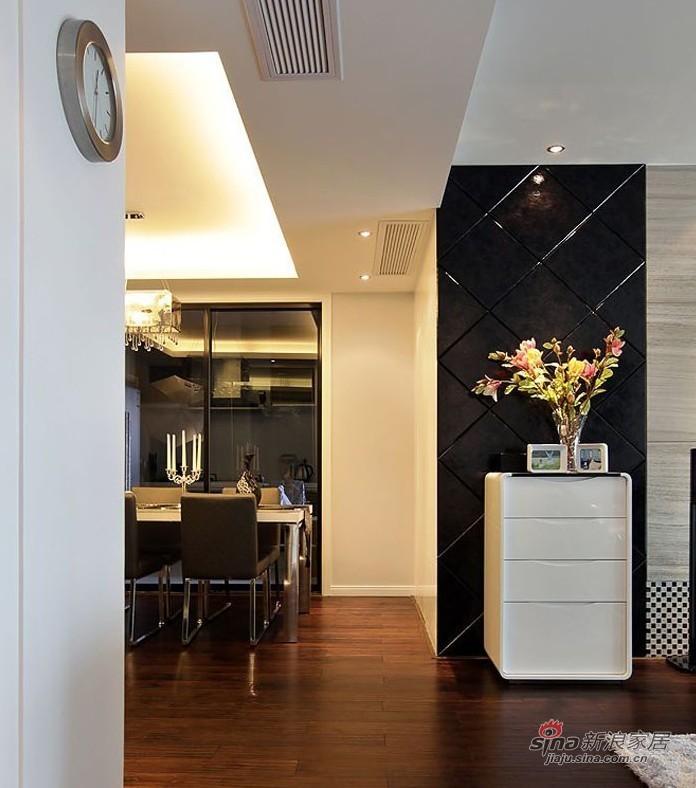 简约 二居 玄关图片来自用户2737950087在5.8万演绎100平黑白系时尚简约2居室98的分享