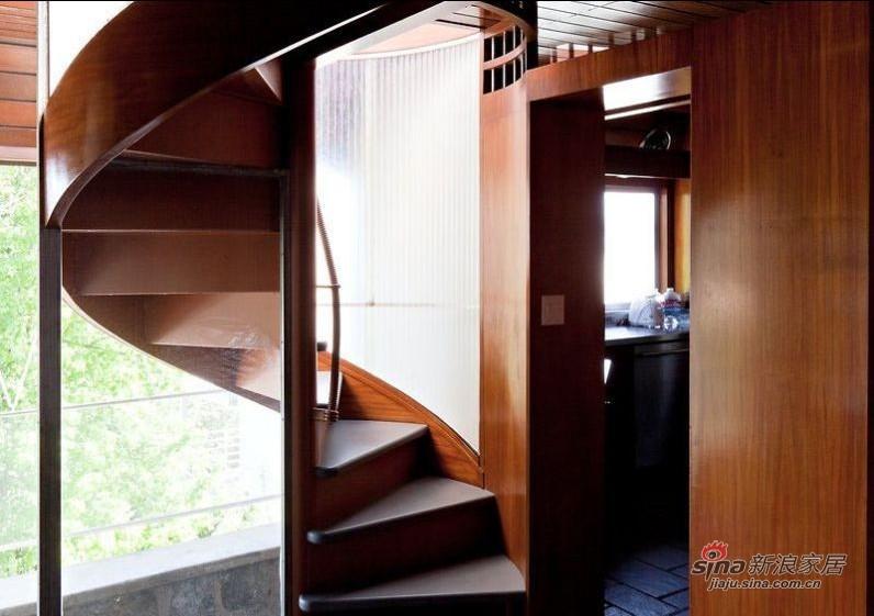 新古典 别墅 楼梯图片来自用户1907664341在迪士尼迷斥巨资打造古城堡51的分享