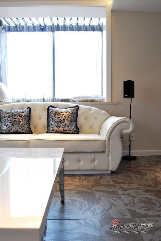现代 三居 客厅图片来自用户2772840321在9.9万155平米梦幻童话王国53的分享