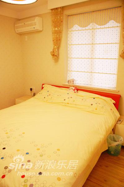 简约 二居 卧室图片来自用户2557979841在认真的生活 随心的装修94的分享