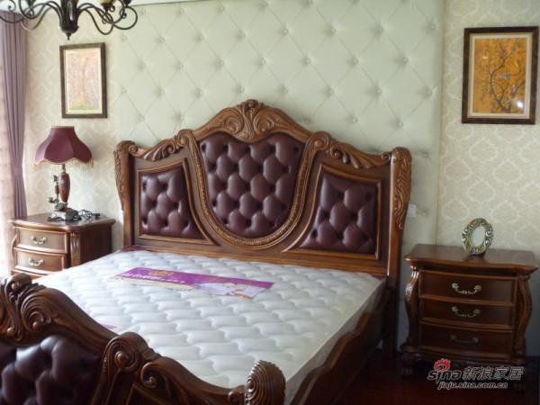 雷克蒙顿主卧室220床、床头柜